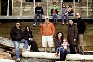 family-photo-at-the-beach